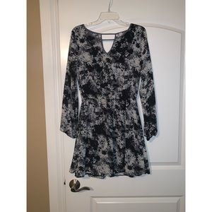 Long sleeve pattern flattering dress